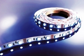 Led stripe light 300 led SMD 5050 flex strip 5 metri 14.4W/M alta potenza luminosa luce fredda 12V