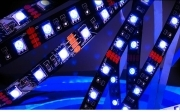 Strip led striscia 180 led ultraviolet violet UV 12v SMD5050 3 metri trasformatore incluso