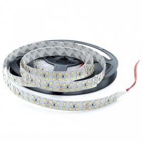 Striscia led 5m 24v 1200 LED IP33 strip 240 smd 2835 bobina adesiva 90w