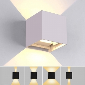 The UNIVERSE applique cube 12W LED